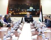 استقالة الحكومة الفلسطينية مع اتساع رقعة الخلاف بين (السلطة وحماس)