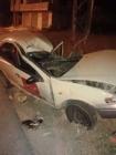 بالصورة...وفاة شاب عشريني اثر حادث تصادم لمركبة بعامود كهرباء في اربد