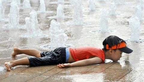 وفاة 3 يابانيين بسبب ارتفاع الحرارة