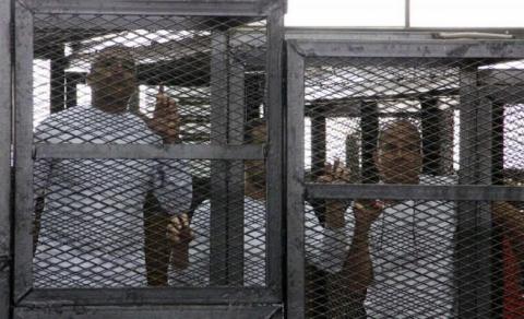 مصر: إرجاء الحكم على صحافيي الجزيرة من جديد