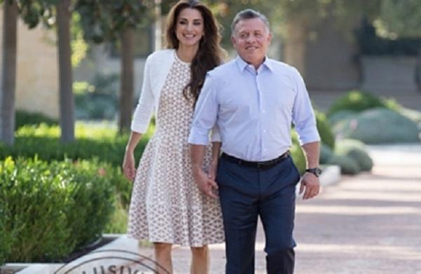 a0ff95dd9 شاهد بالصور...من مكتب جلالتهما الخاص ... رومانسية الملك عبدالله والملكة  رانيا !