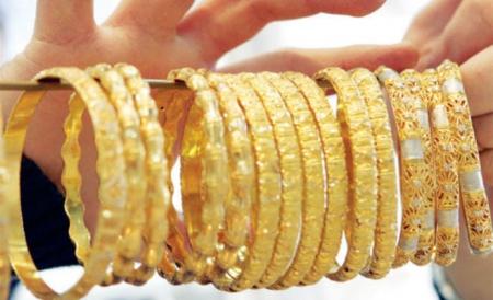 عيار 14 قيراط ويكون الذهب بنسبة 583.333 جم فى الكيلو جرام، والباقى نحاس  وفضة وبلاتينوم.