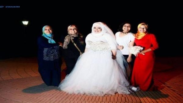13be816e67bc1 شاهد بالفيديو حدث في مصر ولأول مرة.. عروس بفستان زفاف بدون عريس